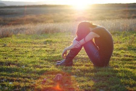 伤感的句子说说心情带图片图片
