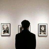 男生黑白背影头像 冷漠悲伤伤感图片